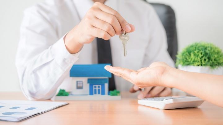 Безопасная аренда: почему сдать или снять квартиру будет лучше через риелторскую компанию