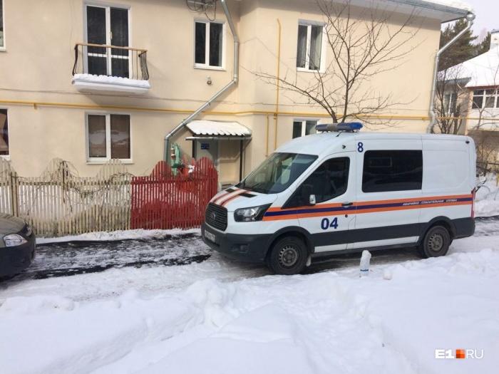 На место трагедии приехали газовики, полиция и следователи