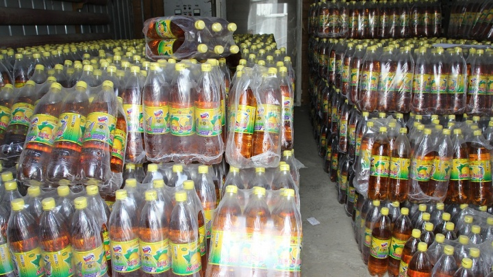 Через Самару везли фуру контрафактного лимонада под маркой FIFA