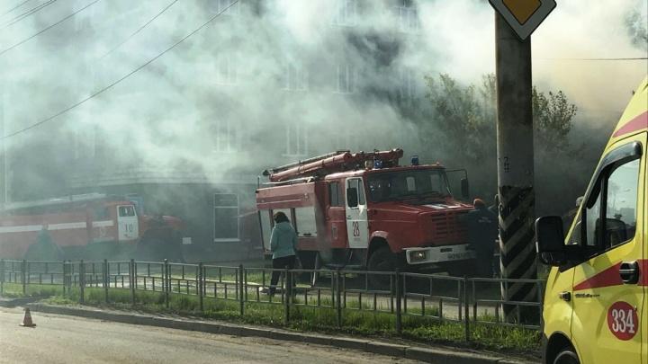 Сгорел дом, из-за которого не могли расширить дорогу на улице 10 лет Октября