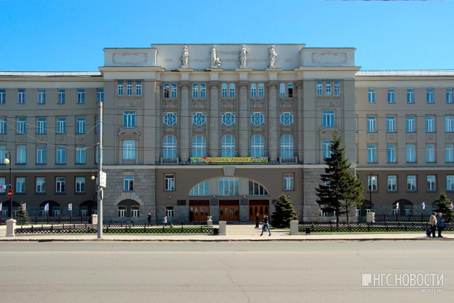 Ректор ОмГУПСа Овчаренко пообещал, что все выпускники внынешнем году получат дипломы