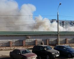 В Волгограде загорелся рынок «Олимпия»