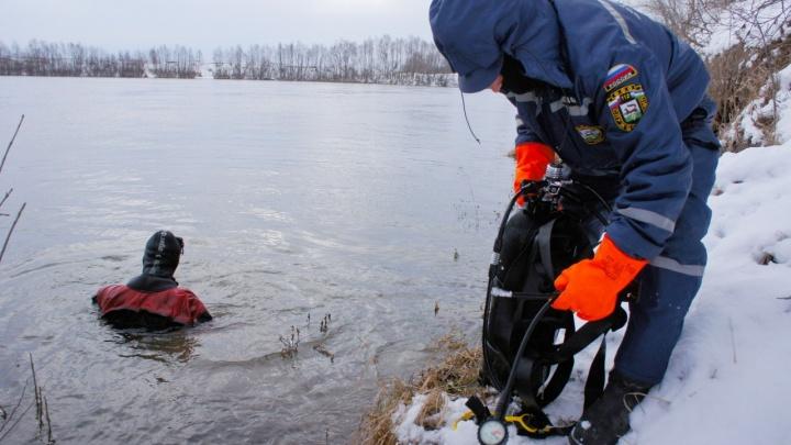 Нижегородских водолазов привлекли к поиску пропавших в Уфе мужчины с двумя детьми