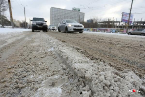 Прошлой зимой из-за нерасторопности дорожников челябинцы регулярно стояли в 10-балльных пробках