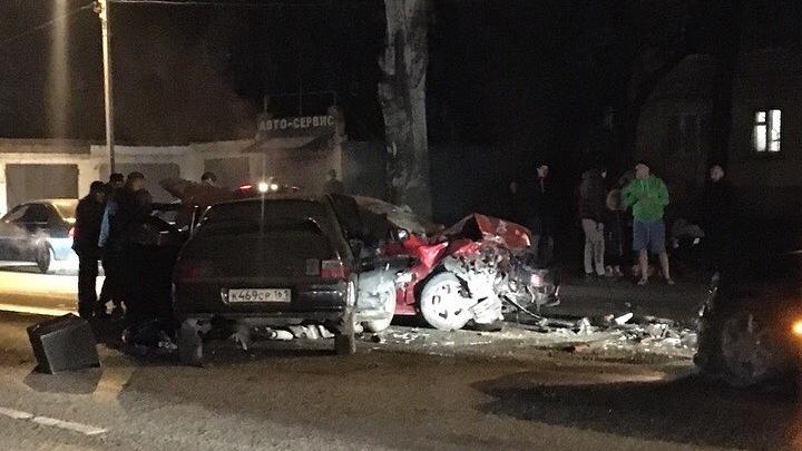 В Ростове страшная авария унесла жизни двух человек