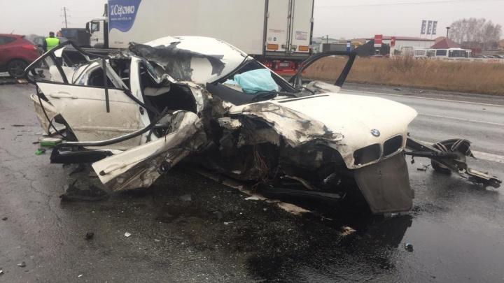 «Когда приехали, водительBMW ещё подавал признаки жизни»: спасатель рассказал об аварии под Омском