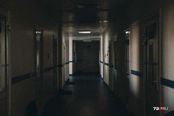 Пациентка лежала в больнице с ребенком, когда ей порекомендовали продолжать лечение дома