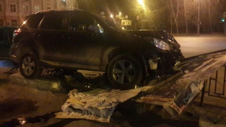 На Восточной агрессивный водитель Subaru снёс ограждения и избил прохожего