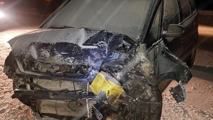 На трассеРеж — Екатеринбург водитель одного Opel выехал на встречку и врезался в другой Opel