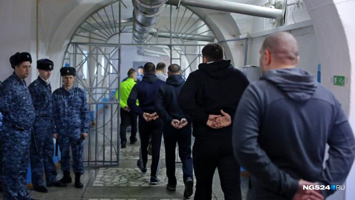 Начальник в ГУФСИН избил заключенных за отказ делать зарядку и пойдет под суд