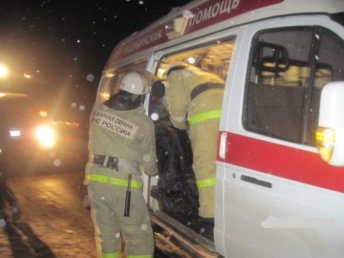 Из-за столкновения легковой SKODA и эвакуатора в поселке Гнилицкие Дворики погибли три человека