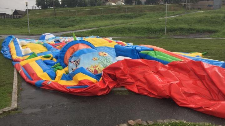 «Снесло ветром»: на батуте в Челябинской области пострадали четверо детей, один в реанимации