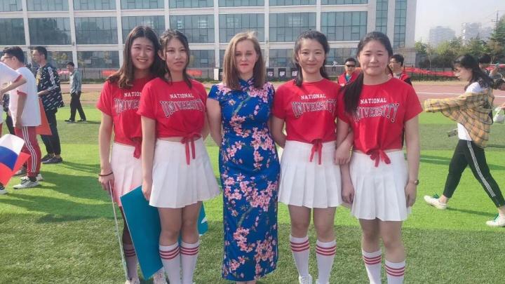 «В России я бы столько не заработала»: история преподавательницы с Урала, уехавшей работать в Китай