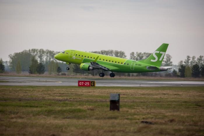 Возить пассажиров из Новосибирска в Челябинск будут маленькие бразильские самолётыEmbraer