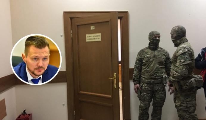 Подозреваемого во взятках заммэра Ярославля отодвинули от «Единой России»