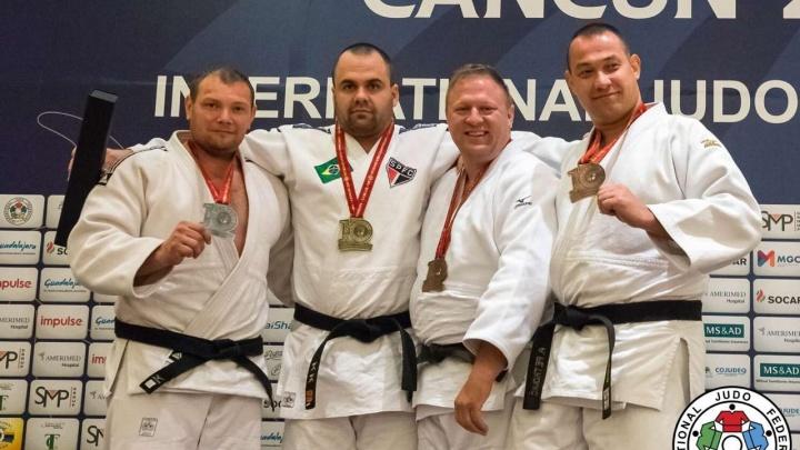 Сотрудник свердловской колонии завоевал серебро на чемпионате мира по дзюдо в Мексике
