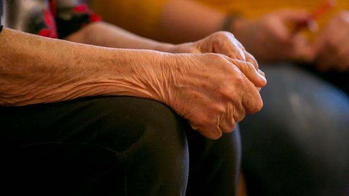 «Ещё докажи, что пенсию заработал»: истории тех, кто лишился выплат и остался без работы в 60+