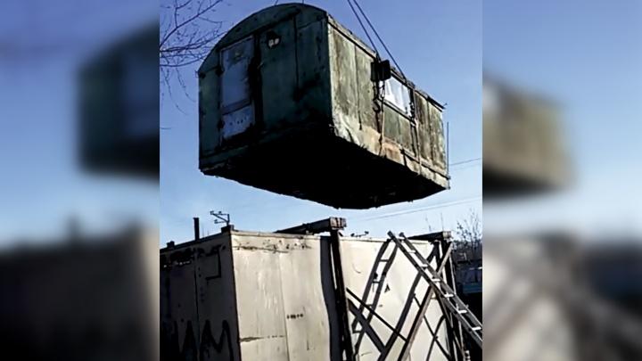 Приставы снесли огромную незаконную стоянку на станции Уктус