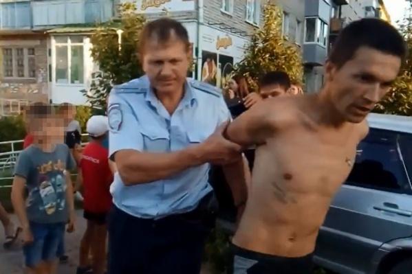 26-летнего водителя ловили и полицейские, и граждане