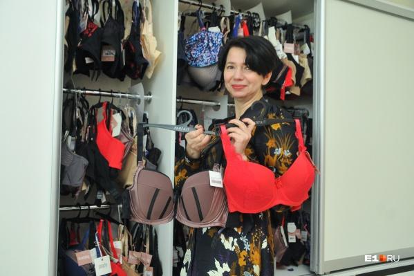 Хозяйка студииBrastyling Елена Минза знает, как грамотно поднять грудь на девичью высоту