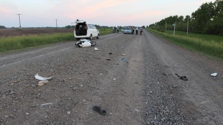 Шестиклассник выехал с поля на мопеде и погиб после ДТП с минивэном