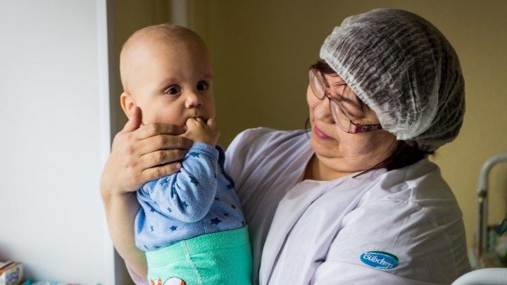 Забери меня, мама: мальчик оказался в больнице без родителей — врачи ищут новых, чтобы спасти его