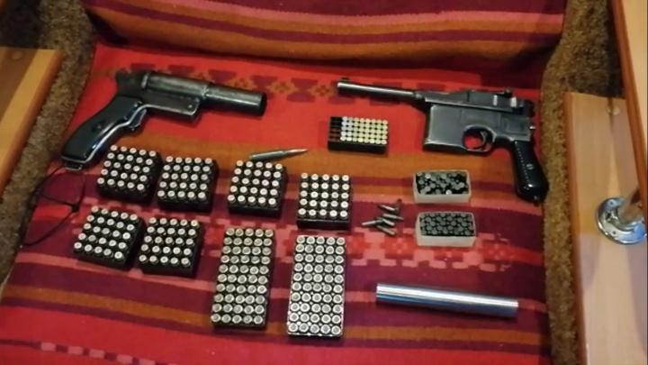 ФСБ накрыла две подпольных мастерских по производству оружия