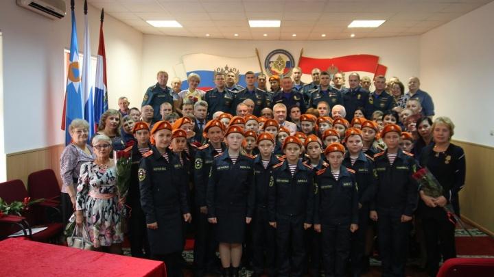 Наградили лучших: в региональном управлении МЧС отметили День гражданской обороны
