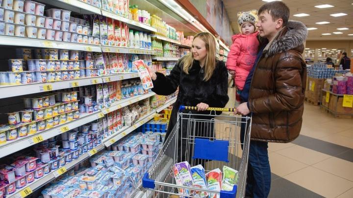 Сроки хранения молока: омичам рассказали, как связаны польза и срок годности