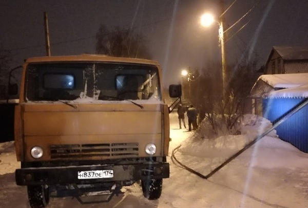 Уходил от погони: пьяный челябинец на грузовике пробил трубу и оставил 200 домов без газа