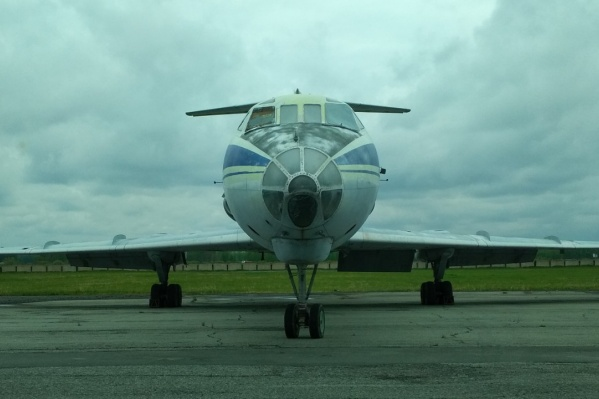 Роль памятника может достаться самолету, который сегодня, 22 мая, совершил свой последний рейс
