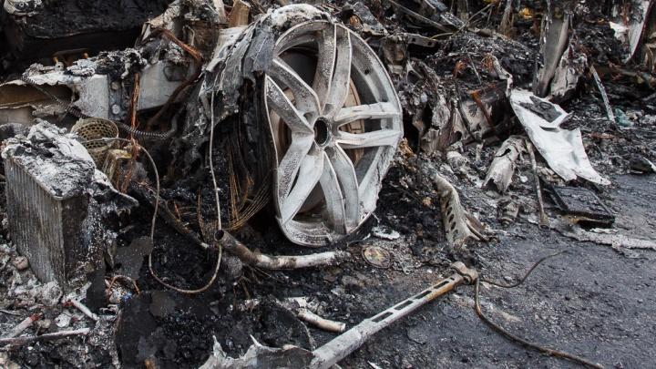 В Волгограде сгорел новый кроссовер Mercedes