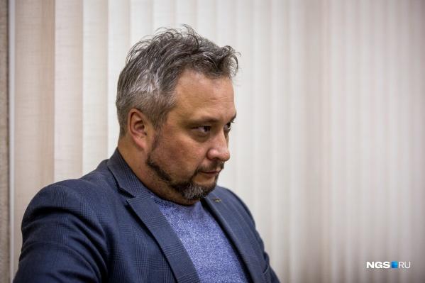 По данным источника НГС, Андрей Романцов написал заявление по собственному желанию