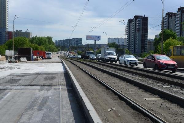 Ремонт моста начался в мае — с закрытия полосы, ведущей в центр