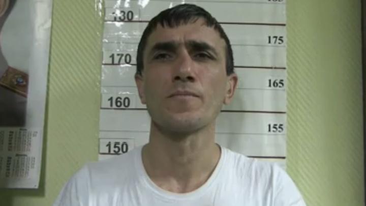 В Екатеринбурге задержали пассажира такси, который с пистолетом напал на водителя