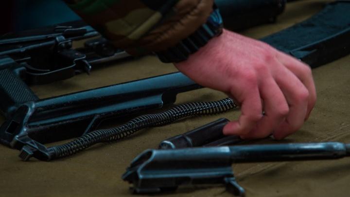 Охота удалась: в ростовской роще обнаружили тайник с ружьями