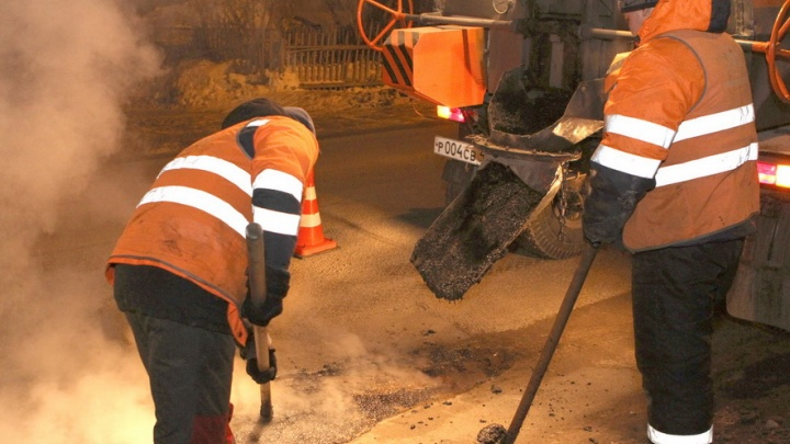 В Кемерово заделали 300 квадратов ям на дорогах города