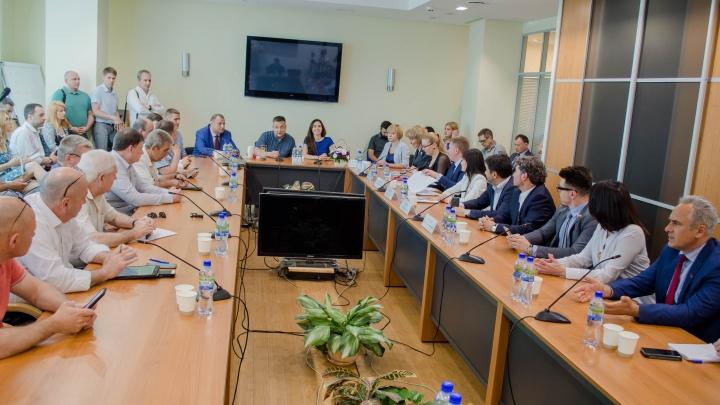 Развитие микропредприятий и зоны ответственности: в Ростове состоялся открытый диалог