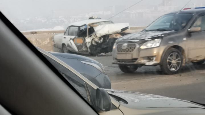 Появилось видео с Димитровского моста, где в ДТП погибла 22-летняя девушка: авто было на летней резине