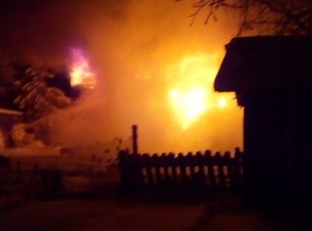 За пару часов до Рождества в Коноше от огня погибли два человека