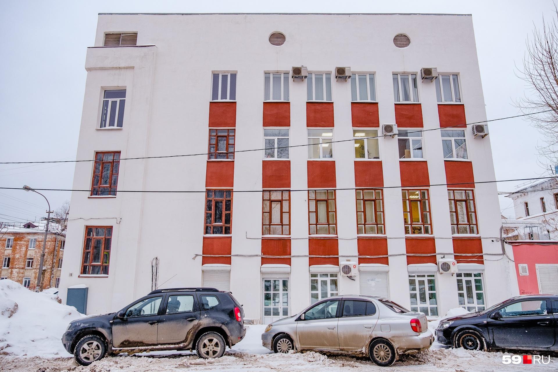 Еще один фасад