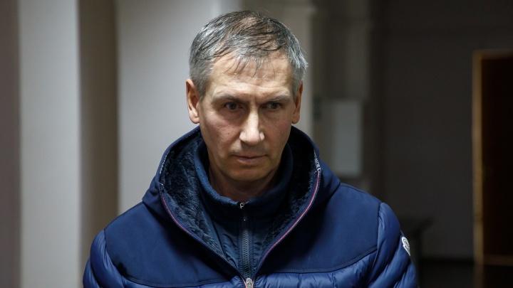 «Пойду в Верховный»: в Волгограде облсуд отказал лодочнику Жданову в просьбе звонить по телефону