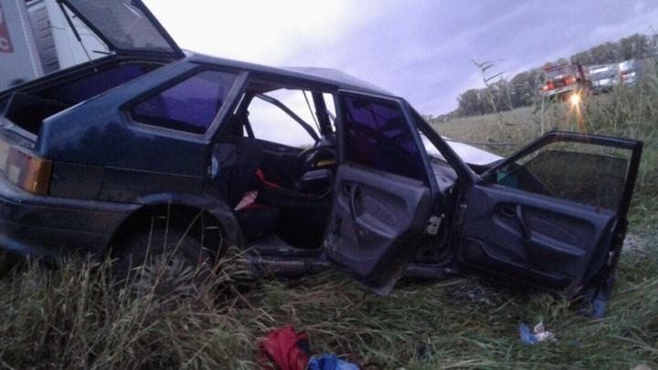 На дороге в Башкирии столкнулись три автомобиля