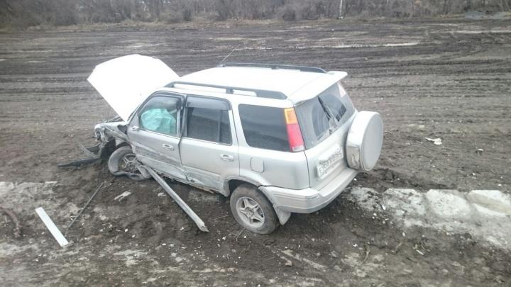 Девушка за рулём внедорожника вылетела в кювет на трассе под Новосибирском