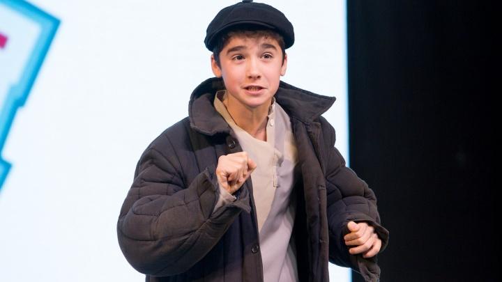 Подросток из Красноярска, которому отказали на шоу Галкина, победил в конкурсе чтецов