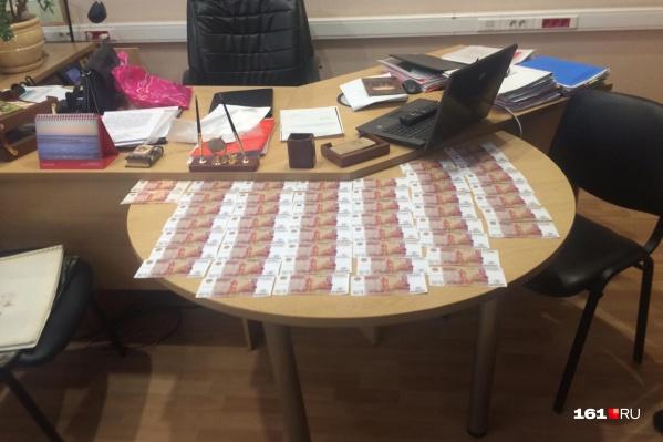 Чиновница потребовала 250 тысяч рублей у бизнесмена