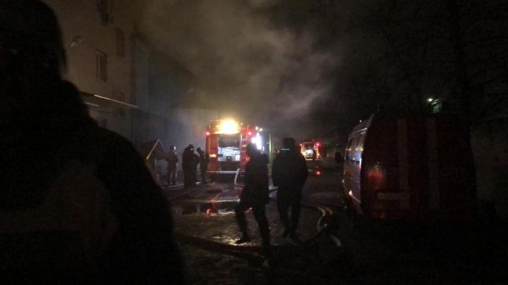 Дым над складом: что известно о пожаре на Днепропетровской