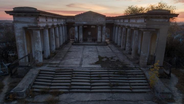 Античность и советский размах: единственный в России мортуарий уходит в вечность