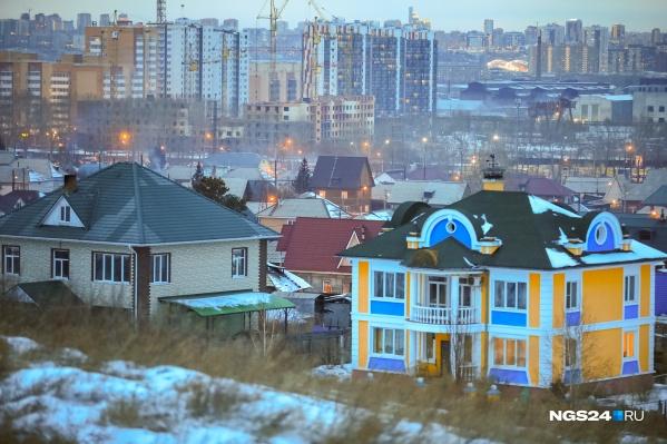 Частный сектор Красноярска в момент растопки печей