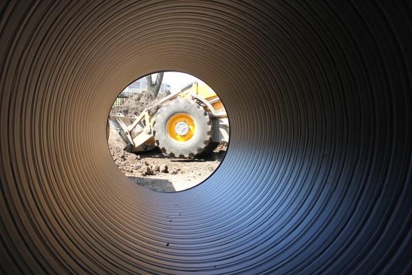 Диаметр канализационного коллектора составляет 700 мм